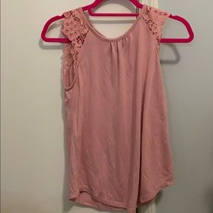 Rue 21 tank top with lace